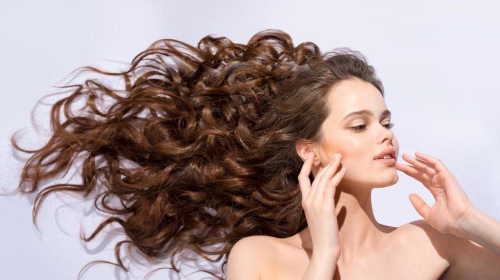 Mevsim Geçişlerinde Saç Bakımınıza Dikkat Edin!